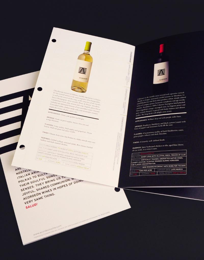 Acordeón Booklet Inside Spread Design