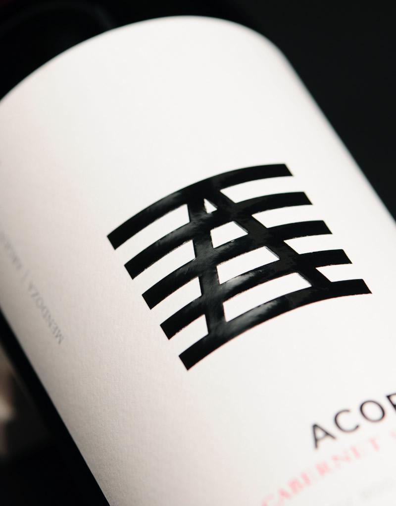 Acordeón Wine Packaging Design & Logo Label Detail