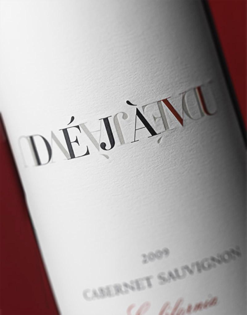 Déjà Vu Wine Packaging Design & Logo Label Detail