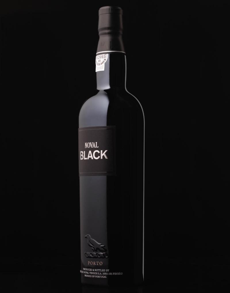 Noval Black Wine Packaging Design & Logo