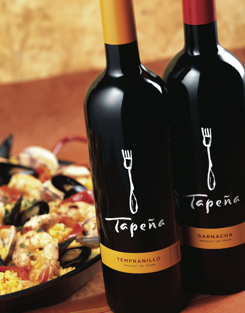 Tapeña Wine Packaging Design & Logo