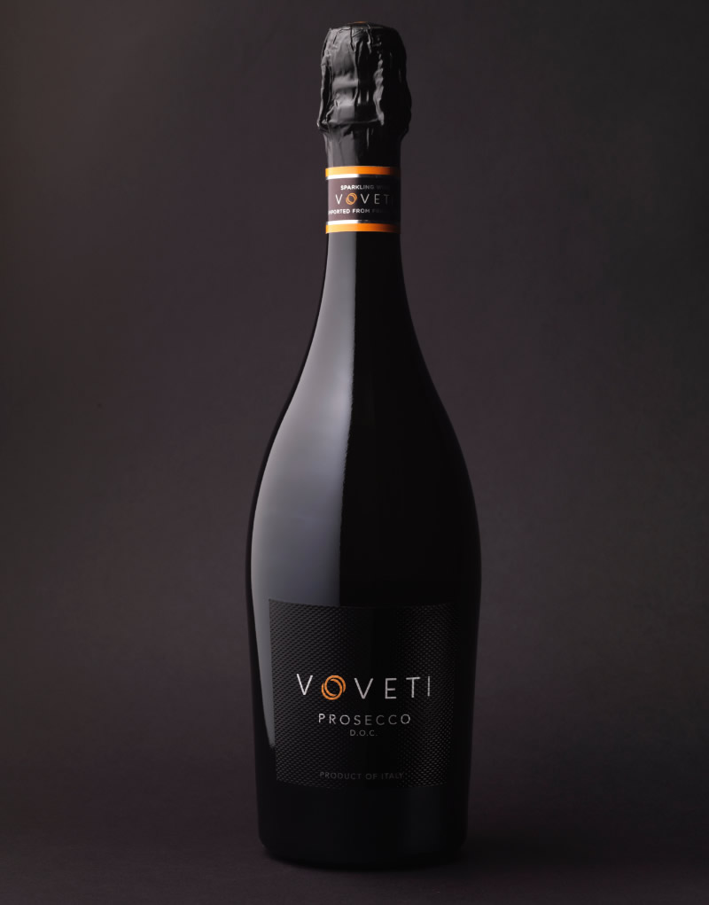 Voveti Wine Packaging Design & Logo
