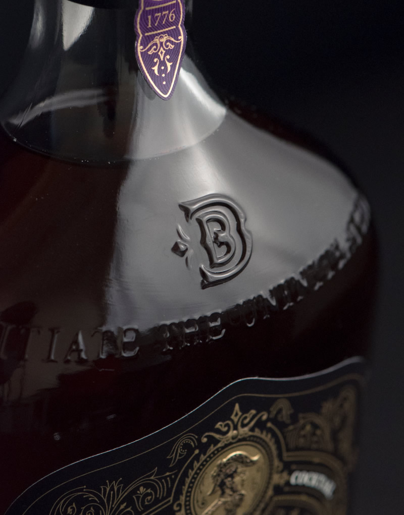 Brother Duran Brandy Packaging Design & Logo Bottle Detail