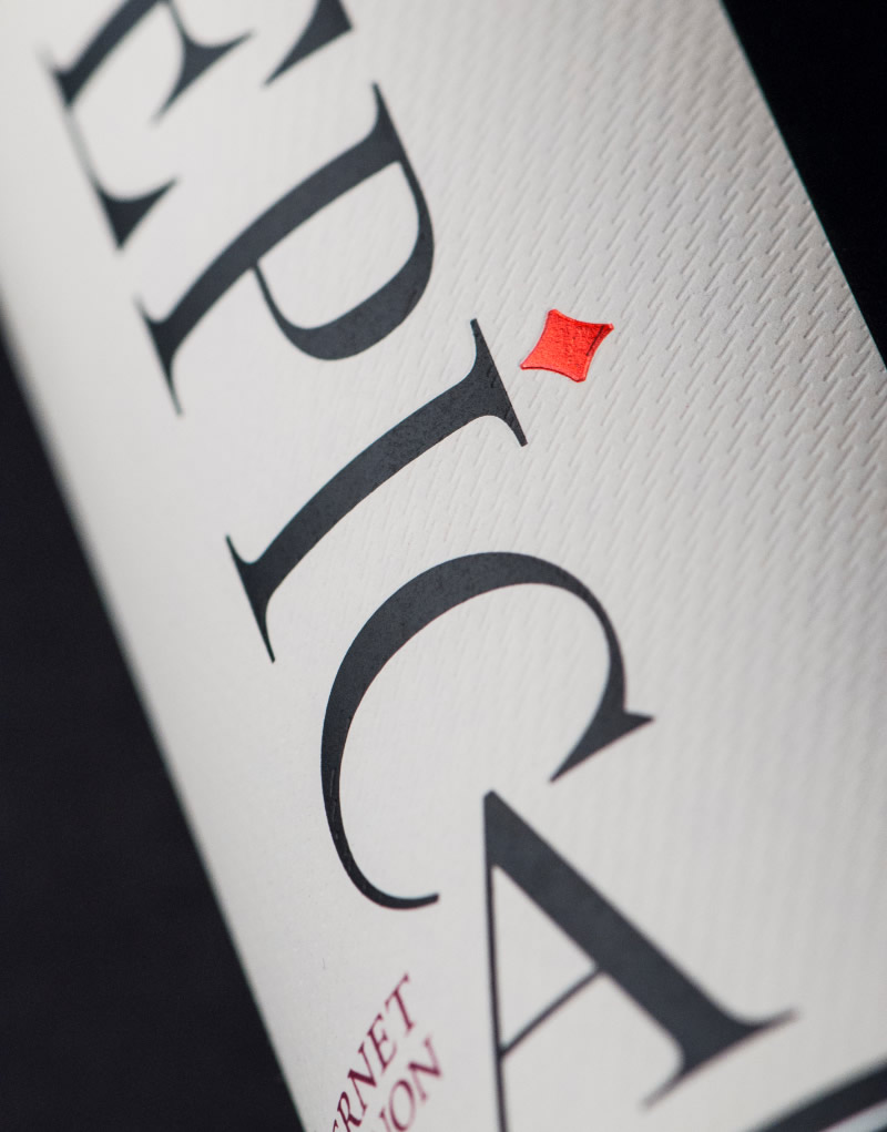 Epíca Wine Packaging Design & Logo Label Detail
