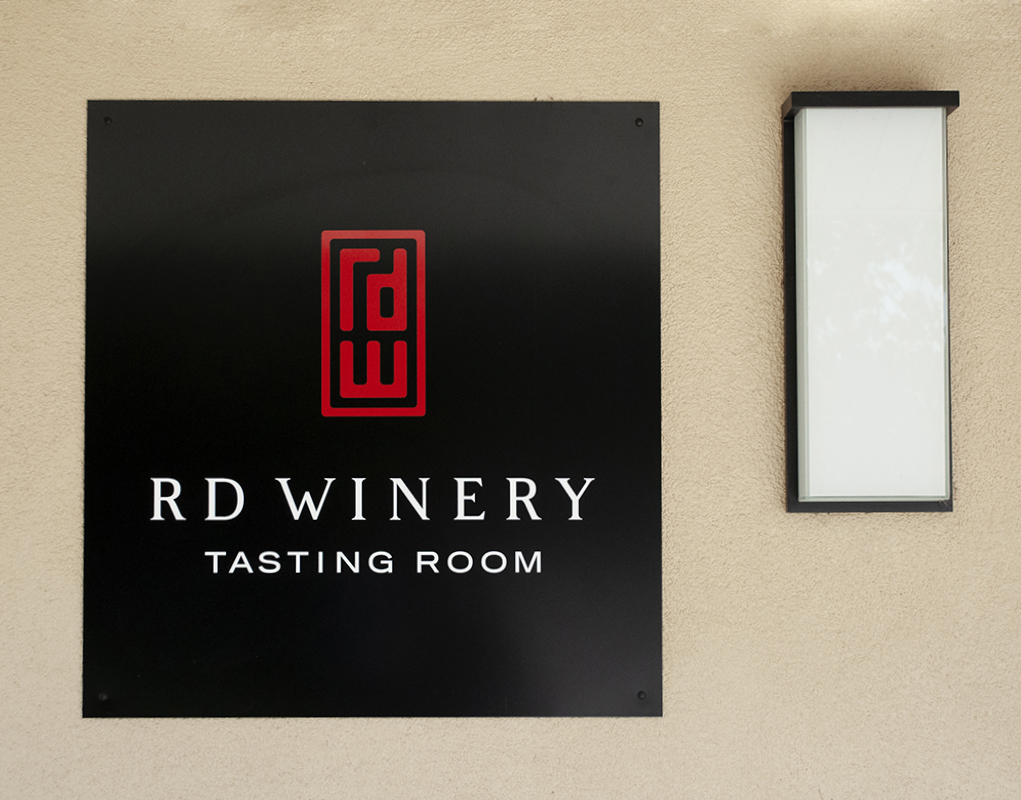 RD Winery Tasting Room Sign Design