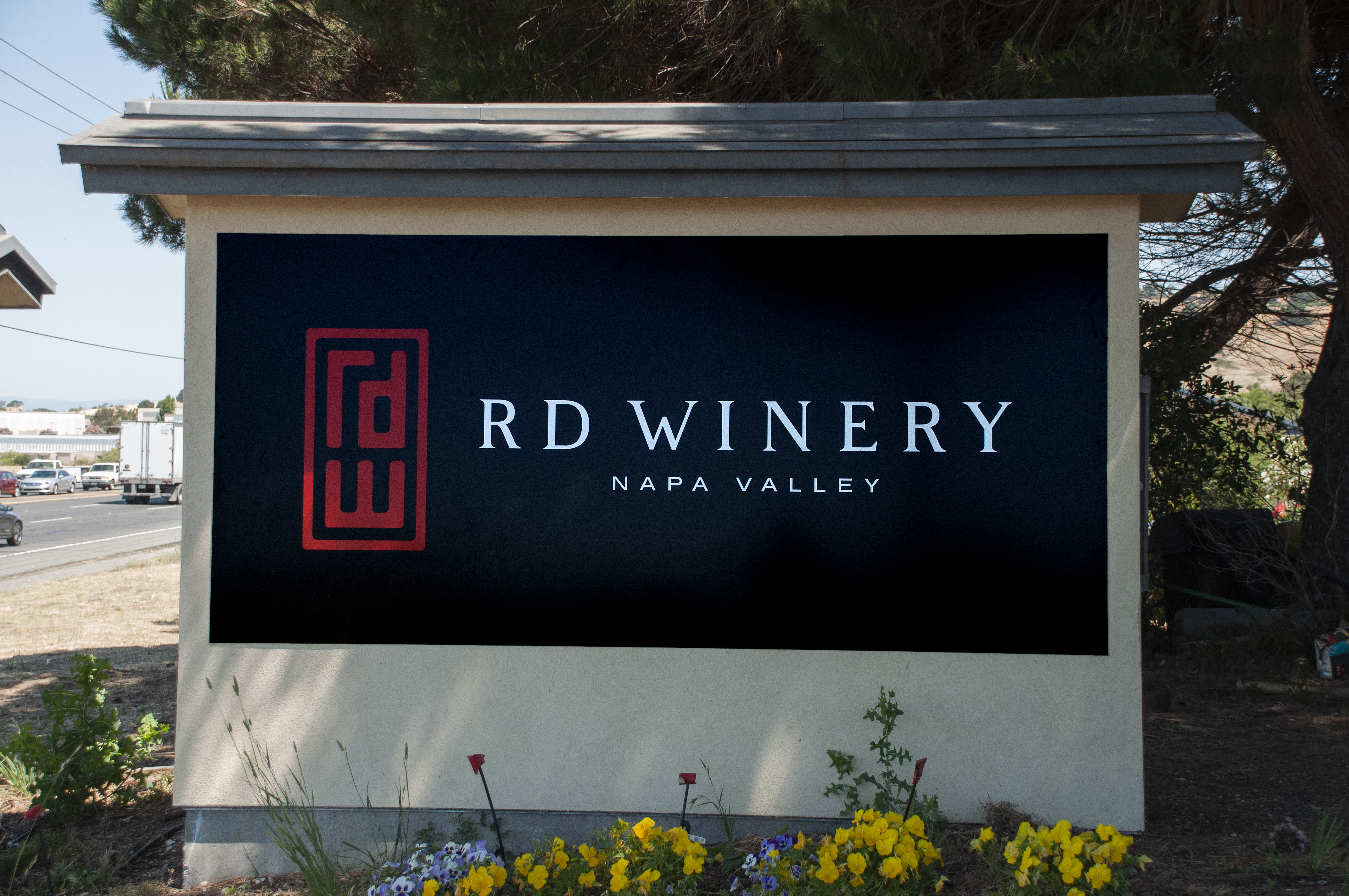 RD Winery Highway Sign Design