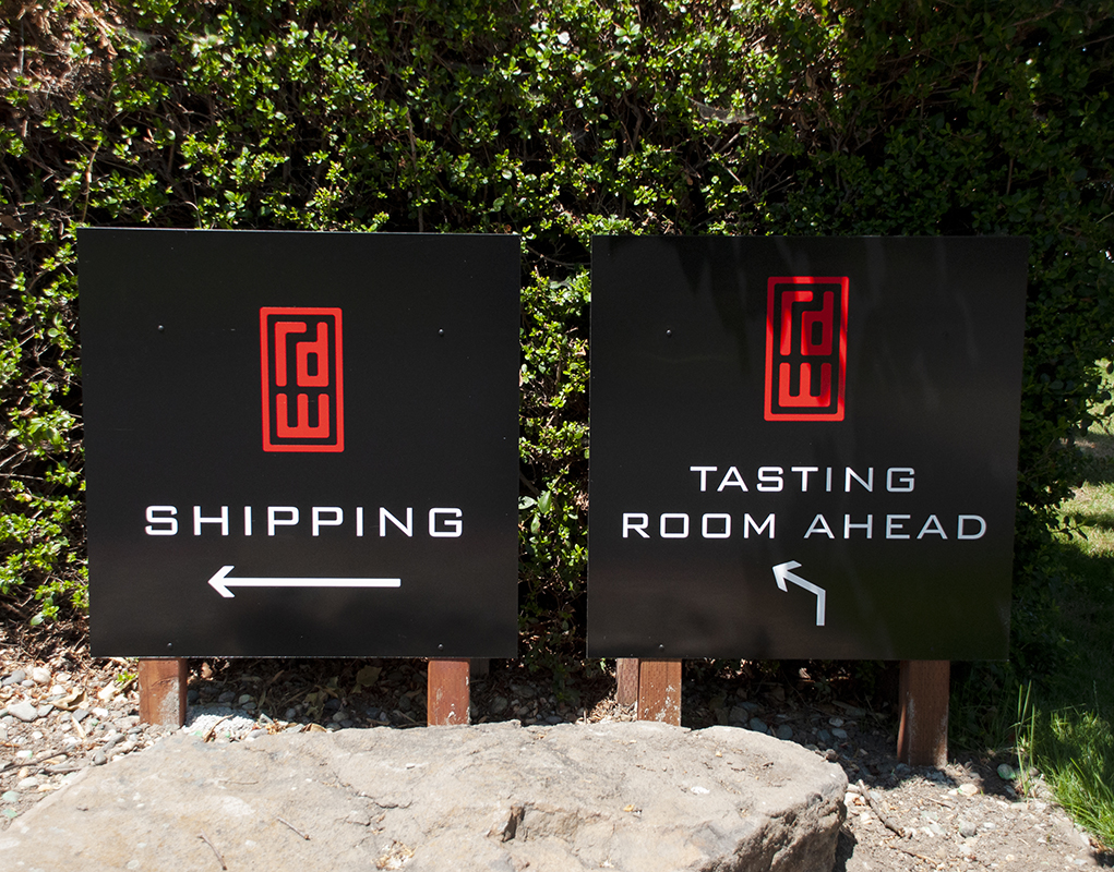 RD Winery Shipping & Tasting Room Signs Design
